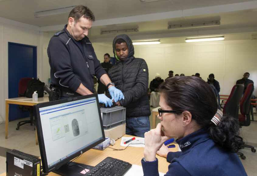 Rosenheim, 05.02.2016  - Police take fingerprints