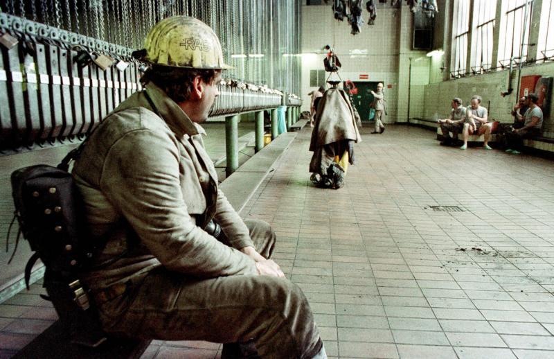 Bergarbeiter in Waschkaue,Zeche Ewald, Herten, 1995